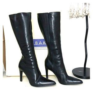 Black pointy stiletto boots